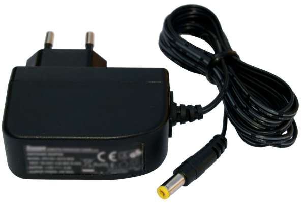 12V Netzteil 12V 500mA 6W Stecker 5,5x2,1mm Eingang 230V SYS1421